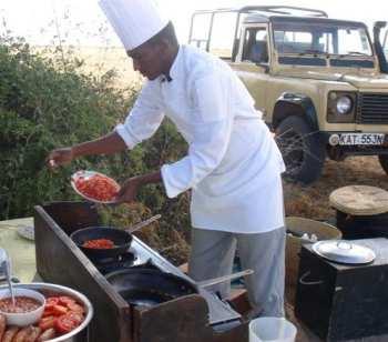 Bush breakfast, Amboseli