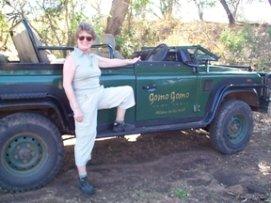 Gomo Gomo jeep - Anne Paterson