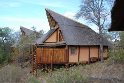 Lukimbi Safari Lodge  ©J.Lee/S.Murray